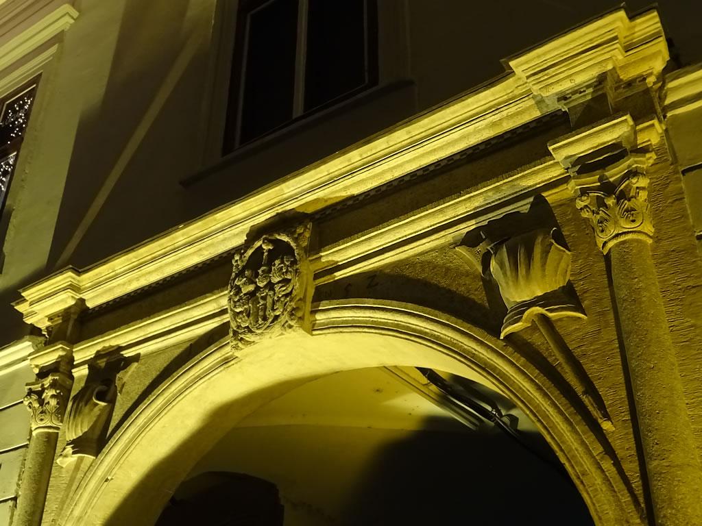 Detaliu portal